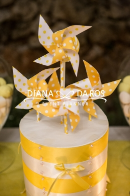 Girandole gialle yellow decorations (Diana Da Ros - Event Planner)
