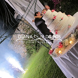 wedding cake decorata con rose (Diana Da Ros - Event Planner)