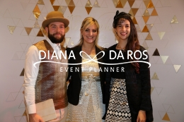 metal photobooth (Diana Da Ros - Event Planner)