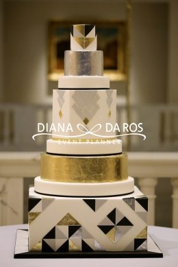 metal wedding cake (Diana Da Ros - Event Planner)
