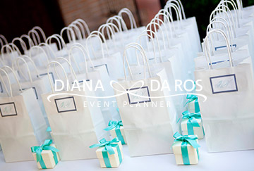 shopping bags tiffany (Diana Da Ros - Event Planner)