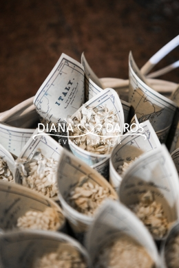 Travel themed wedding rice cones (Diana Da Ros - Event Planner)