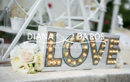 Travel themed wedding Love light (Diana Da Ros - Event Planner)