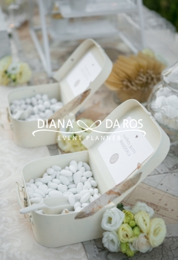 Travel themed wedding confettata (Diana Da Ros - Event Planner)